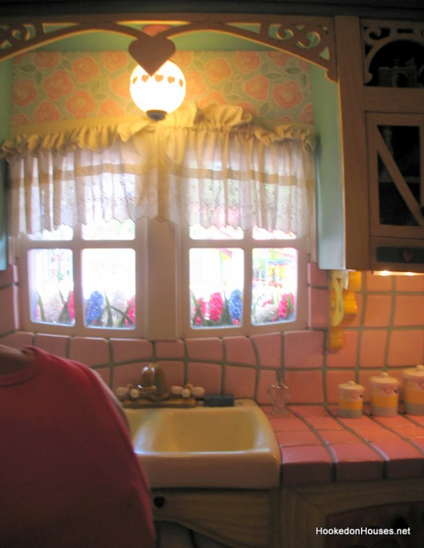 Minnie's kitchen