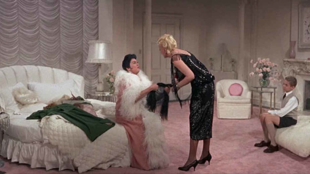 Auntie Mame bedroom