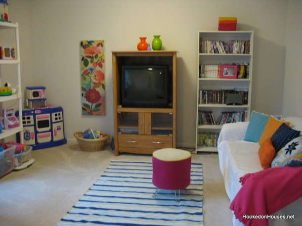 playroom before makeover