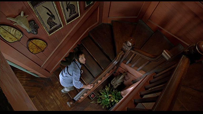Ben Stiller climbing staircase in Meet the Fockers