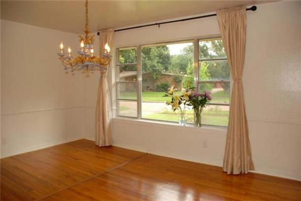 vases-dining rm