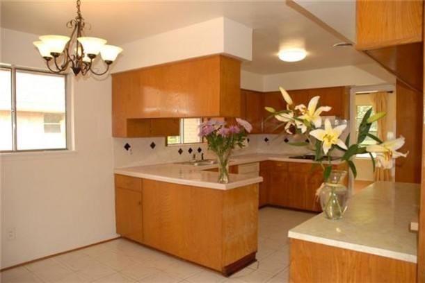 vases-kitchen