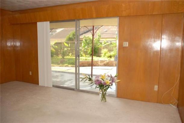 vases-sliding doors