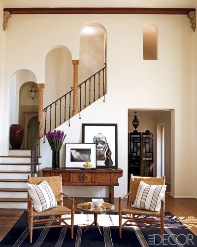 Ellen Pompeo-staircase in Elle Decor