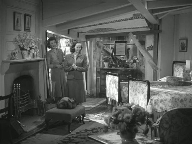 newlyweds\' bedroom in Mrs. Miniver\'s house
