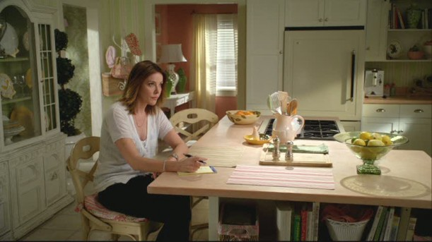 Ellie's kitchen on Cougar Town 2