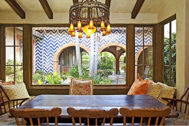 Lavender Hill Farm-breakfast room