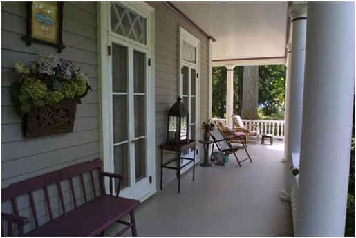 Stepmom house-front porch
