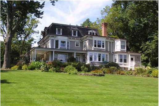 Stepmom house-side view