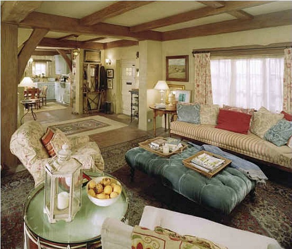 "Inside Peek Kate S Dining Room Kitchen: Kate Winslet's English Cottage In ""The Holiday"""