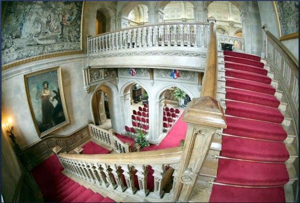 Highclere Castle-staircase