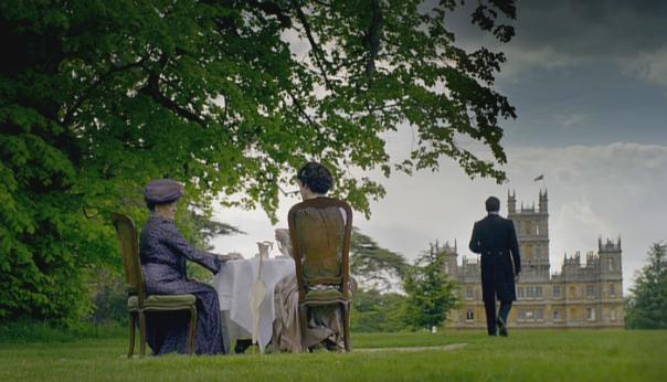 Maggie Smith-Elizabeth McGovern-Downton Abbey