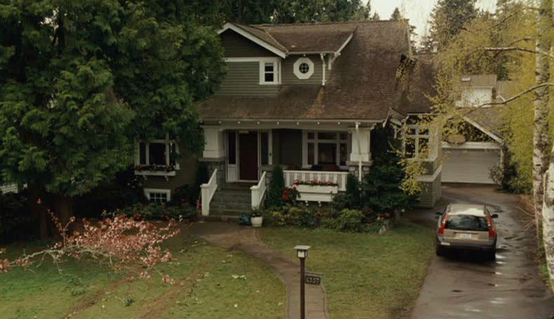 The Craftsman Bungalow In I Love You Beth Cooper Hooked