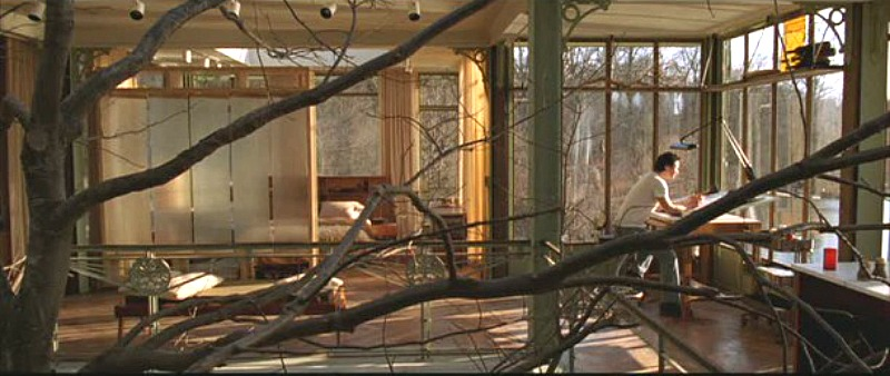 inside-the-glass-house-in-the-lake-house-movie
