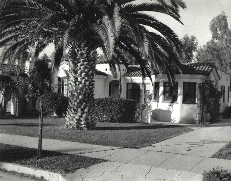 Mildred Pierce\'s house in Glendale with palm tree in yard