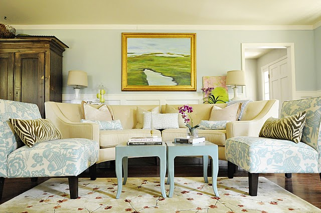 Pawleys island posh living room sofa after hooked on houses for Island living room furniture