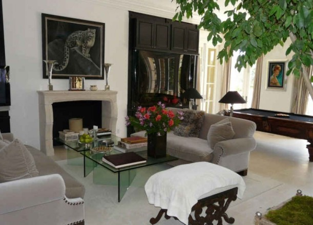 Lisa Vanderpump 39 S And Giggy 39 S Mansion In Beverly Hills Hooked On Houses