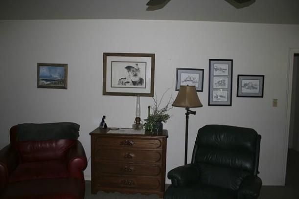 A Dark Living Room Gets A Fresh Coastal Vibe Hooked On