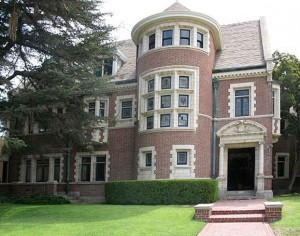 American Horror Story house in LA Westchester Pl