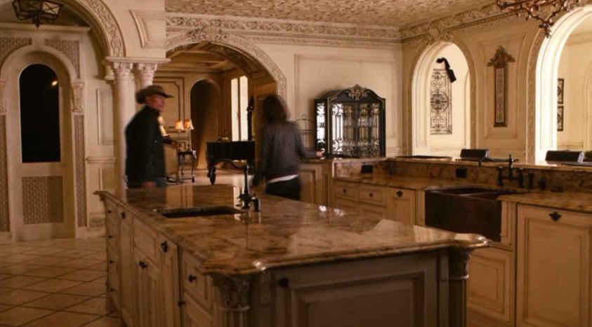 Zombieland-kitchen in movie