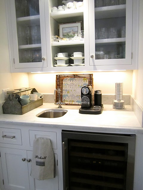butler\'s pantry with small sink