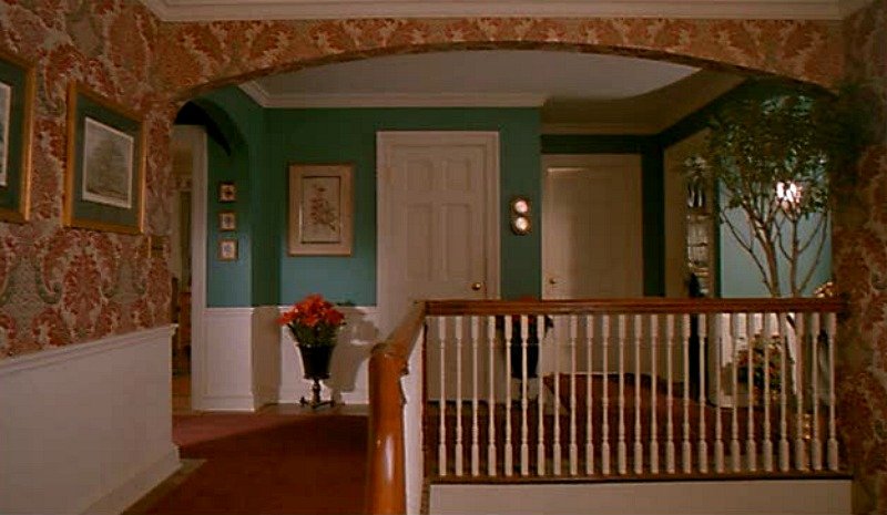 Home Alone house upstairs landing