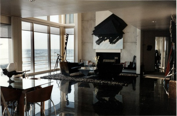 screenshot of living room from Sleeping with the Enemy movie