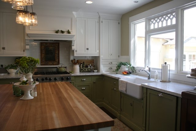 Dorie's bungalow kitchen after its remodel
