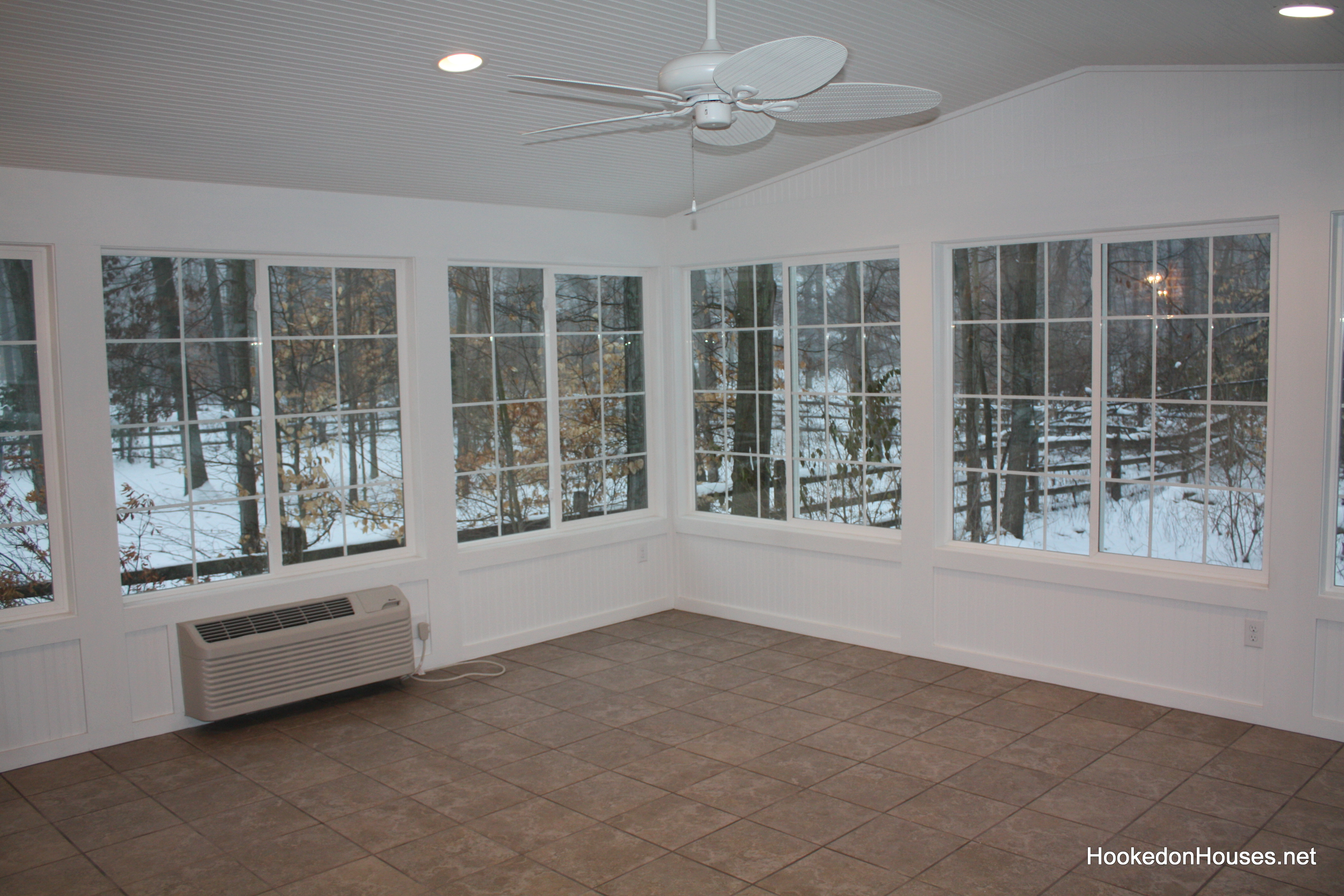 Empty sunroom in dec 39 10 hooked on houses for 10x20 living room
