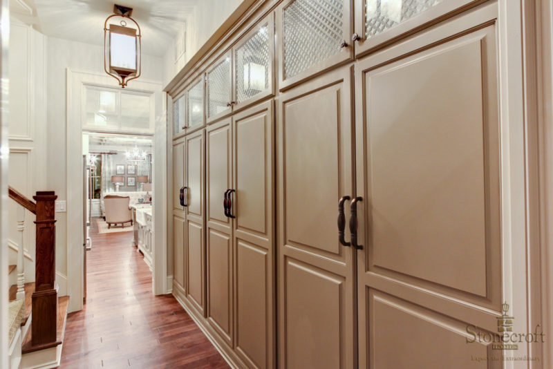 mudroom built in lockers and cubbies