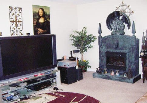 5 Very Scary Real Estate Photos - Hooked on Houses