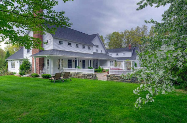 A charming country cape for sale in connecticut for Country mansion for sale