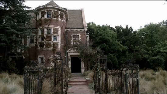 American Horror Story house deserted in the 70s 2 The Five Most Interesting Homes on TV.