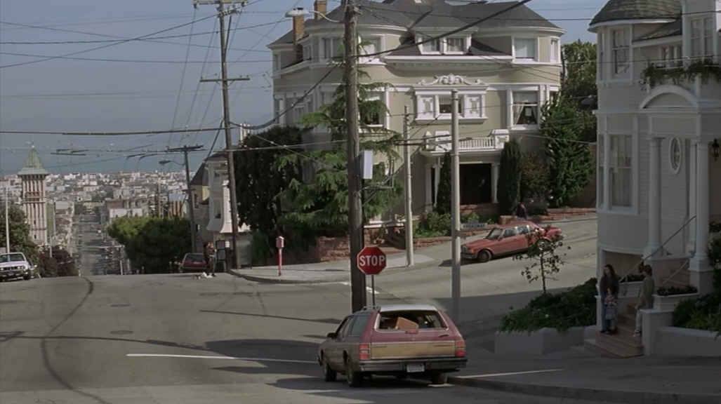 Mrs doubtfire house looking down street hooked on houses for Steiner street