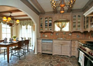 cottage kitchen and breakfast room