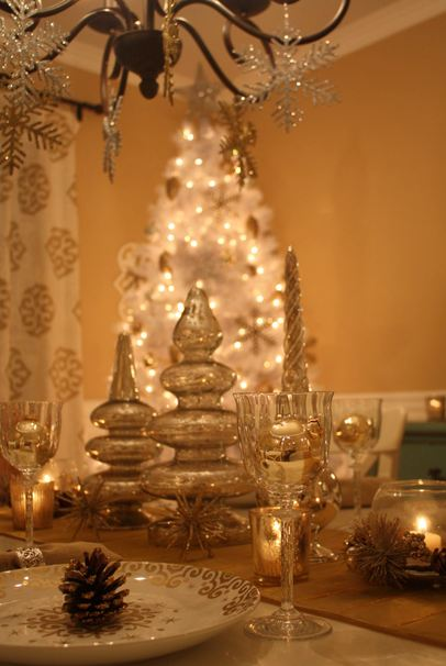 Decorating My Dining Room for Christmas Hooked on Houses