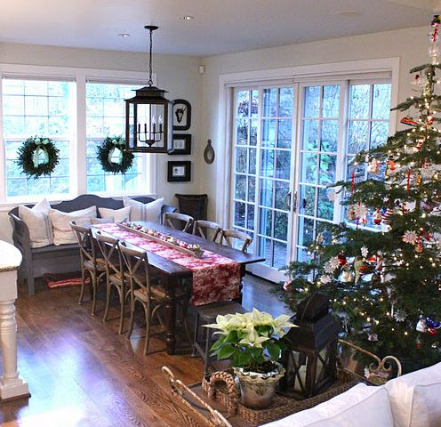 20 Very Merry Rooms Decked Out For Christmas Hooked On