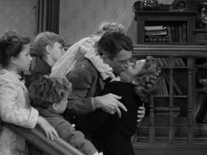 final scene of It\'s a Wonderful Life when George kisses Mary Bailey