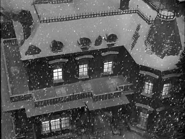 It's a Wonderful Life-Bailey house in the snow