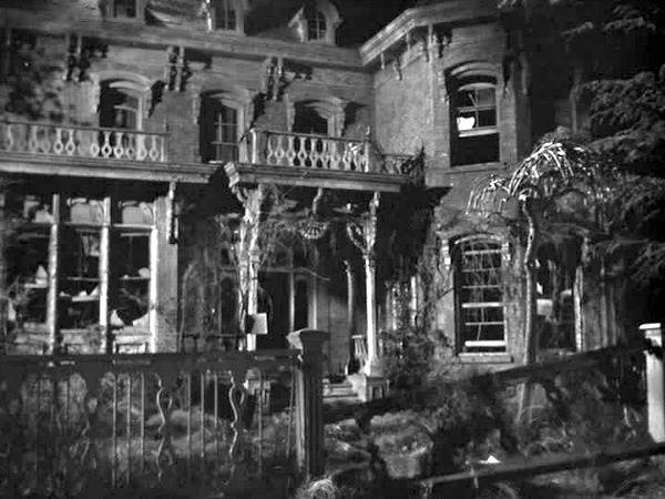 It's a Wonderful Life George Bailey's house deserted