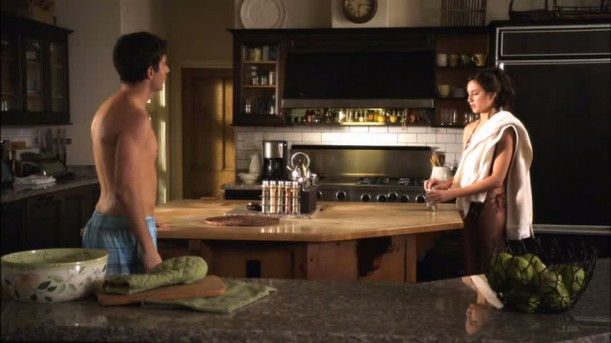 Spencer\'s kitchen in the pilot episode