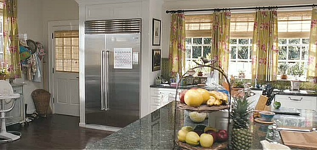 white and green kitchen in The Change-Up movie