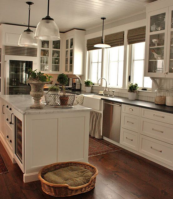 This Traditional Kitchen Mi Marble With Beadboard And Warm Wood Floors For The Love Of A House