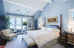 Howie Mandel's Cape Cod in Malibu-blue bedroom