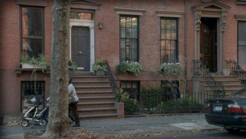 Debra Messing\'s townhouse on Smash