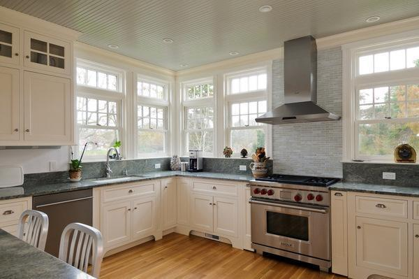 Replica Of Grey Gardens House In Cape Cod Kitchen Hooked