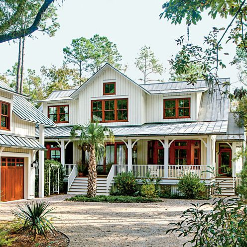 Easy breezy beautiful a house that keeps its cool for Southern country house plans