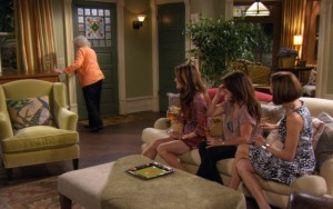 Hot in Cleveland sets-living room 5