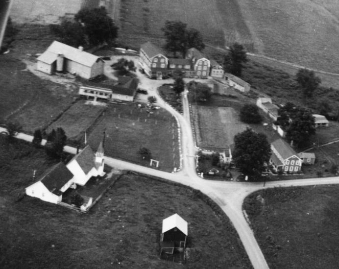 old black and white aerial photo of Cottekill Church in the 1930s