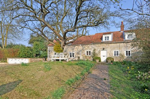 Sarah Ban Breathnach's Stone Cottage Newton's Chapel